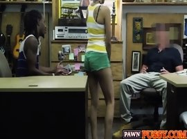Guy sells his girlfriend&#039_s pussy for pawnshop bill_24 82